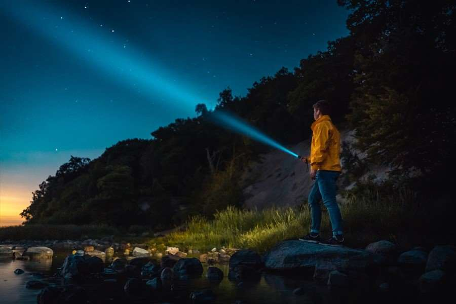 Here Is How to Choose The Best Flashlight